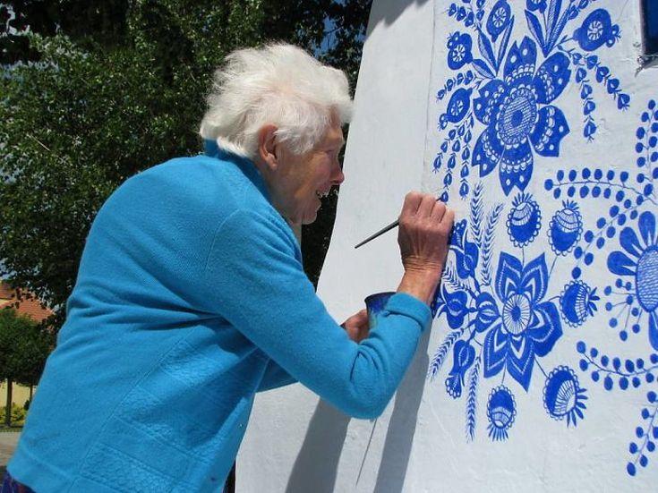 house-painting-90-year-old-grandma-agnes-kasparkova-32-59d3350ececa0__700