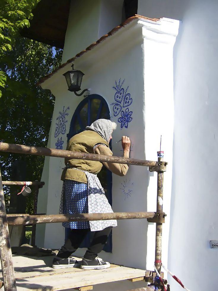house-painting-90-year-old-grandma-agnes-kasparkova-59d340d39d675__700